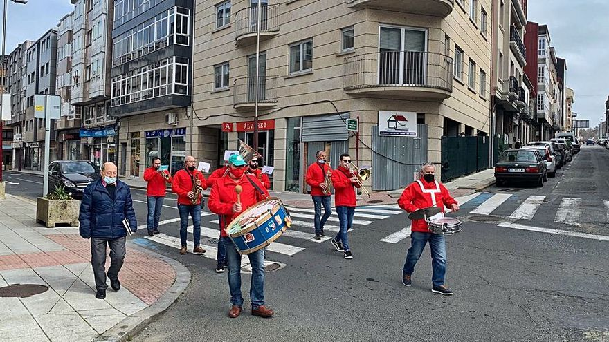 Música de charangas para animar el aperitivo en Lalín