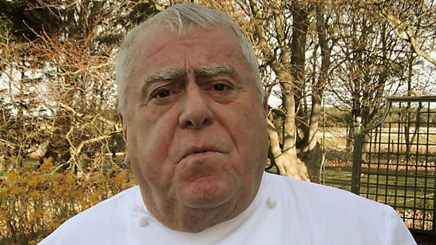Muere el laureado cocinero francés Albert Roux