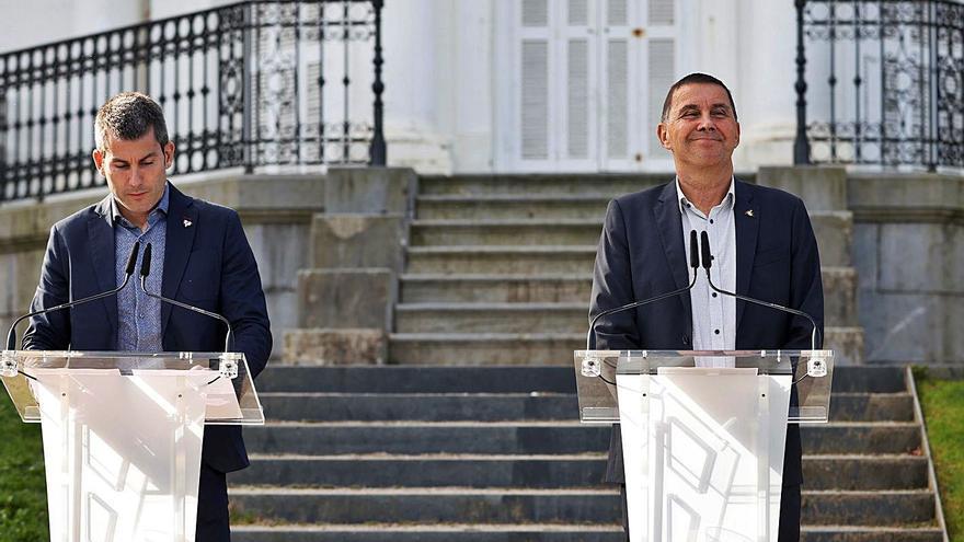 Otegi lamenta el mal a les víctimes deu anys després del final d'ETA
