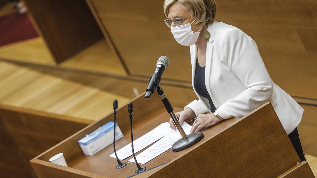 La consellera de Sanidad Universal y Salud Pública, Ana Barceló, interviene en la Diputación Permanente