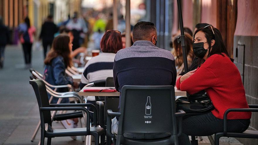 Canarias registra su mayor cifra de nuevos casos de los últimos 70 días