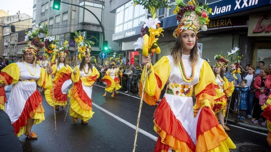 El mal tiempo desluce el Carnaval de Verano de O Carballiño