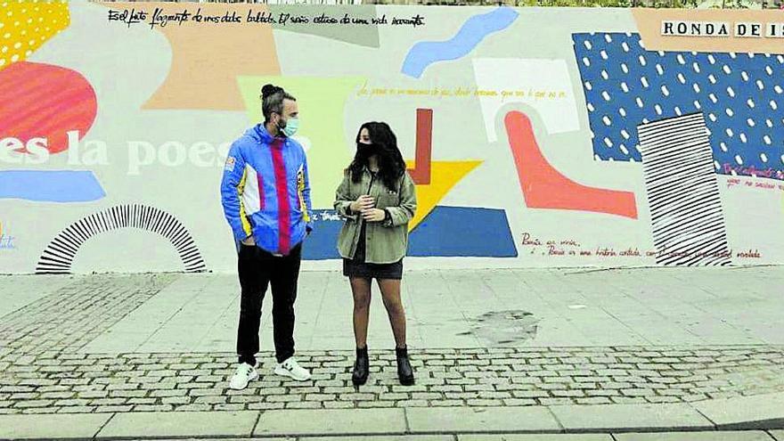 Sota Pérez finaliza el mural de Cosmopoética