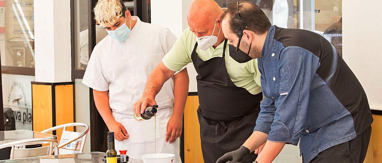 El acto central fue una demostración culinaria en la que el atún rojo fue el ingrediente principal.