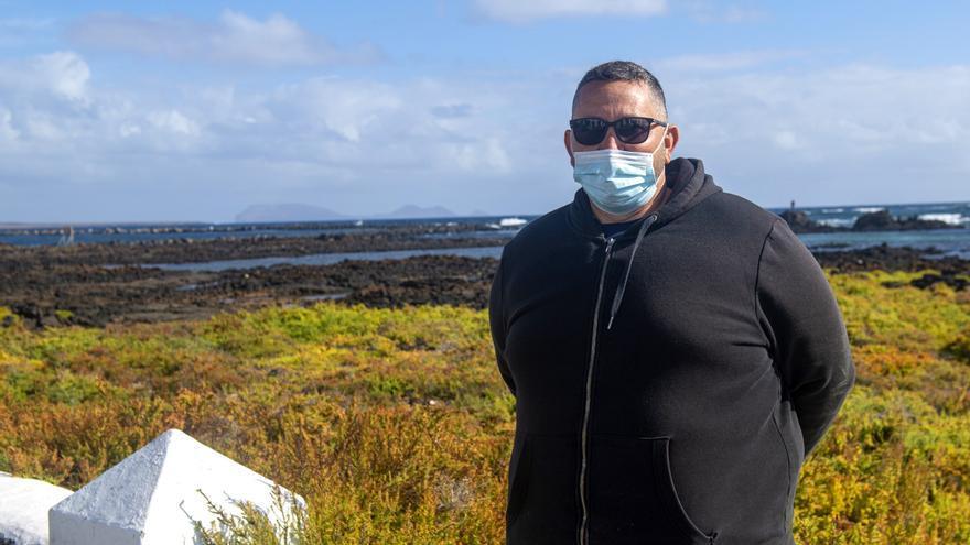 Naufragio de una lancha neumática en Lanzarote: Otra vez un rescate a la luz de los móviles, otra vez los héroes de Órzola