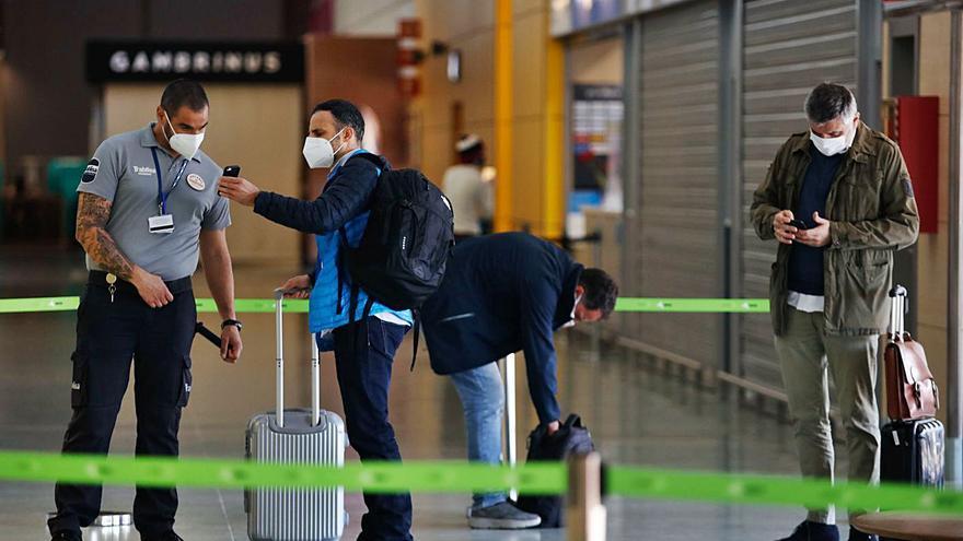 Los aeropuertos en tiempo de covid: el tiempo de espera se multiplica por dos