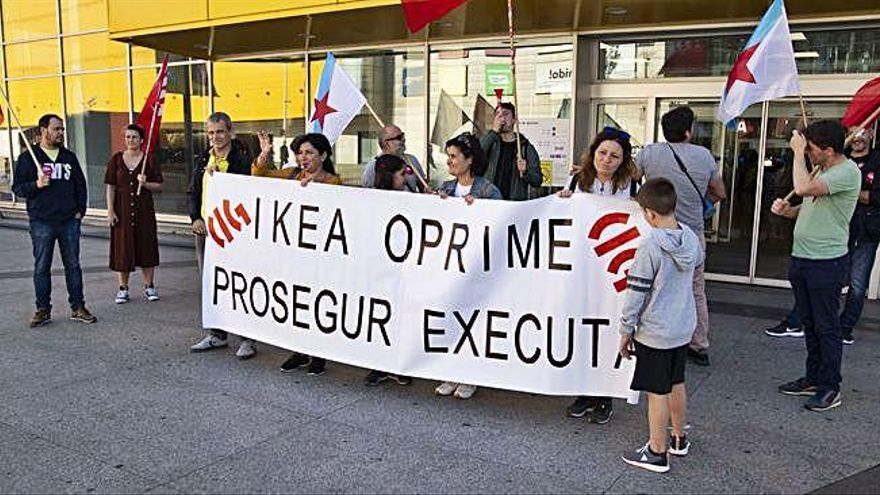 La CIG protesta contra el traslado de un empleado de seguridad de Prosegur en Ikea