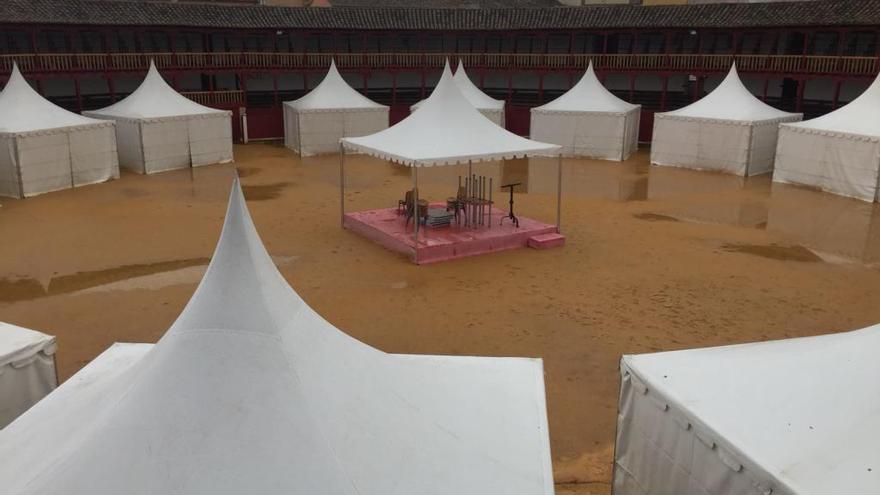Las lluvias obligan a aplazar la Feria del Vino para el próximo fin de semana