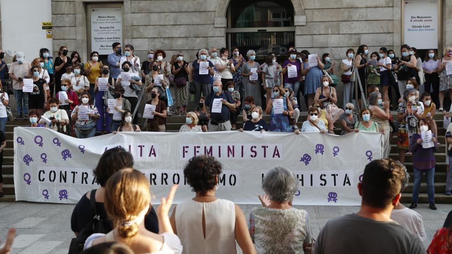 Vigo muestra su repulsa contra la violencia machista