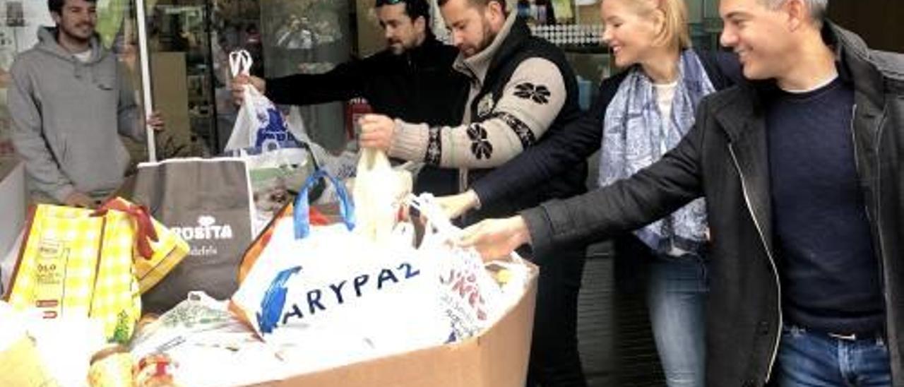 Un momento de la donación de alimentos celebrada en noviembre.