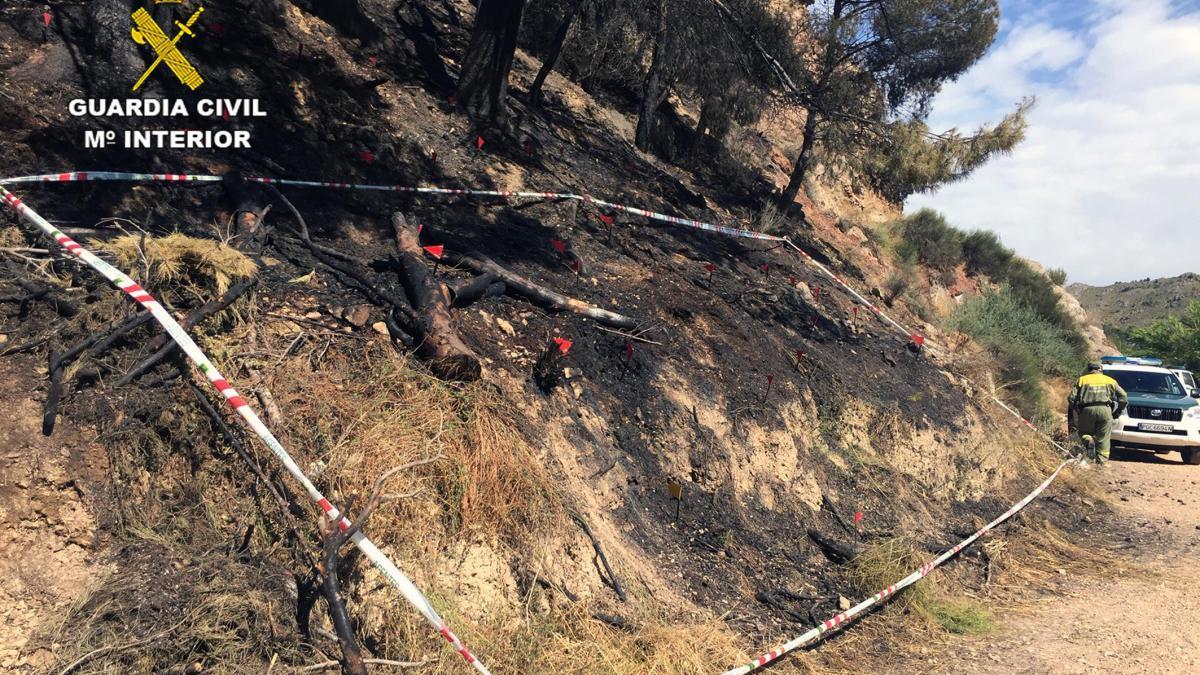 Investigan a tres menores por dos incendios en el paraje El Menjú de Cieza