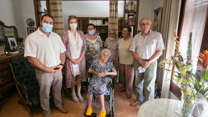 Margalida Marí, los 103 años de una 'mestra' de Sa Cala de Sant Vicent