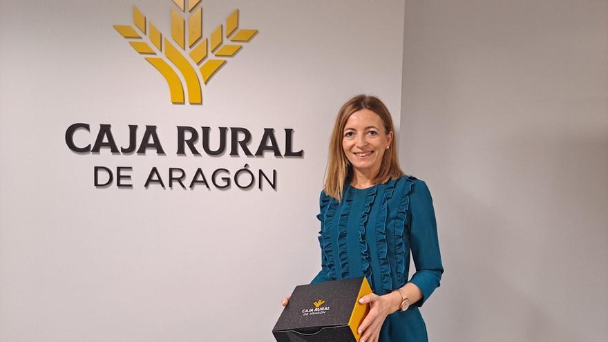 Iniciativa promocional de Caja Rural de Aragón con su gorra