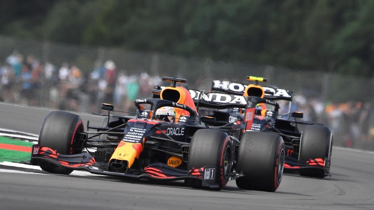 Verstappen saldrá primero en la carrera de Silverstone.