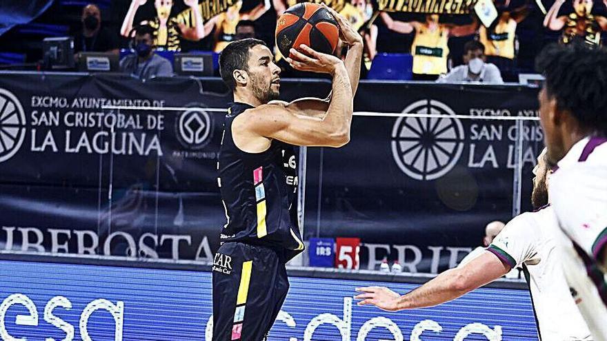 López: «Deseo seguir en casa, pero también quiero jugar»