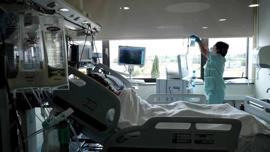 Los casos nuevos de coronavirus en la provincia de Alicante vuelven a subir de forma leve a 220