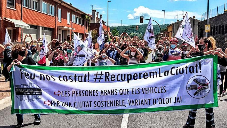 Nova protesta per la desviació de l'avinguda Sant Jordi d'Olot