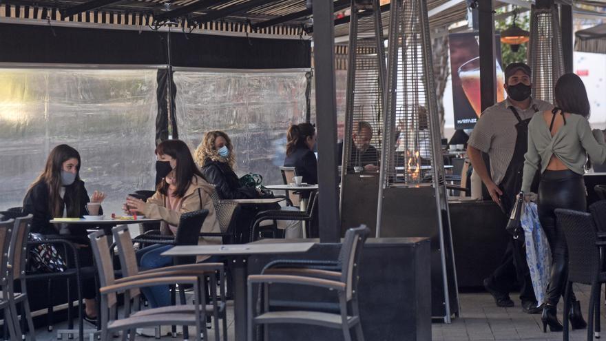 Los hosteleros creen que el toque de queda fomenta cenas clandestinas