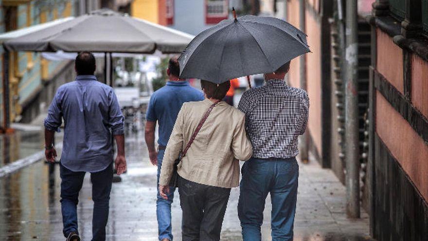 Llegan las lluvias a Tenerife, en alerta por vientos desde el jueves