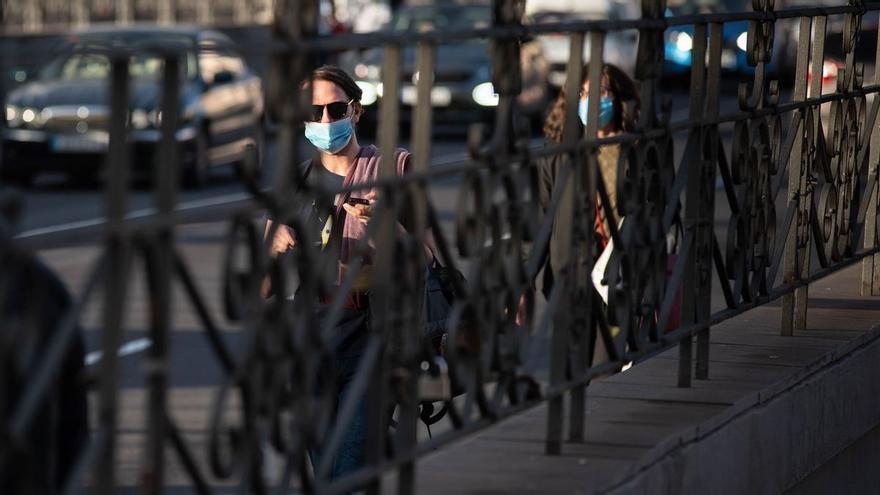 Repunte de casos en Canarias: 212 contagios y un fallecido