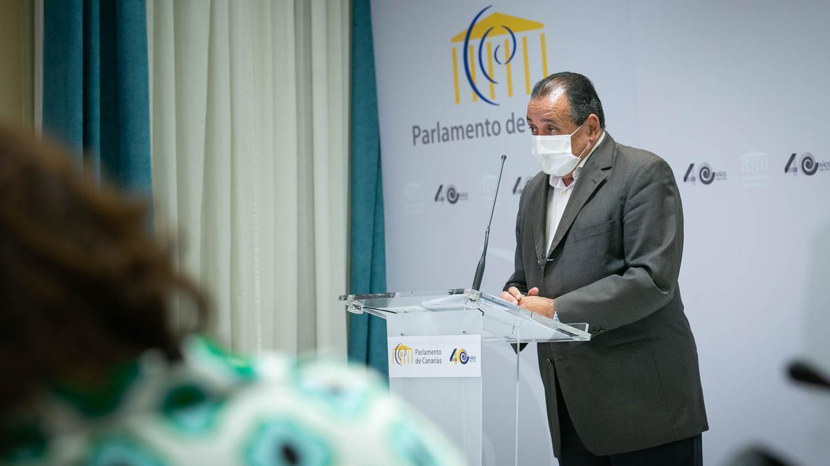 Blas Trujillo, durante su comparecencia en una comisión del Parlamento regional