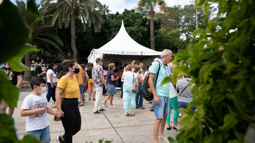 Feminismo, amor y canariedad condensan la nutrida agenda de la Feria del Libro