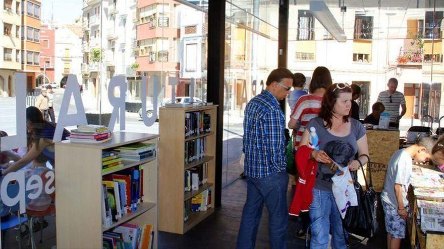La biblioteca del Raval renace en Onda