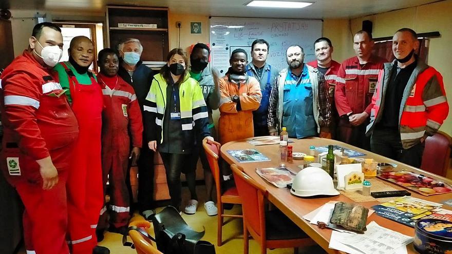 """La tripulación del """"Ambika 2"""" cobra al fin sus salarios y será repatriada hoy mismo"""