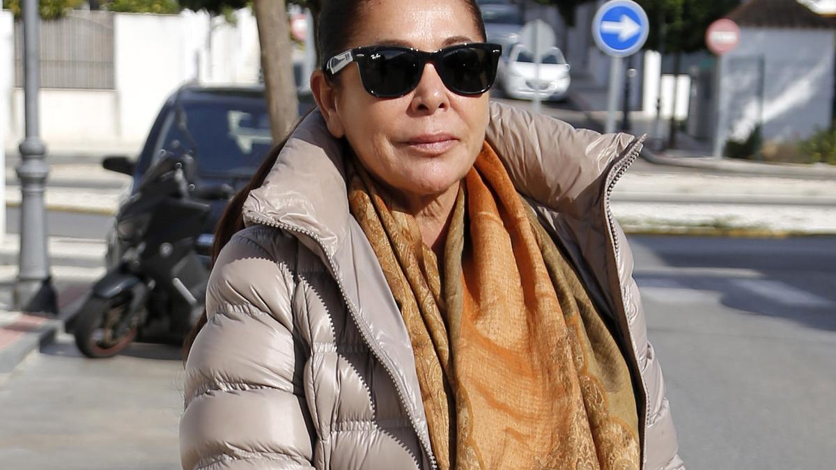 Primeras palabras de Loli, la kioskera a la que Isabel Pantoja debe 76.000 euros