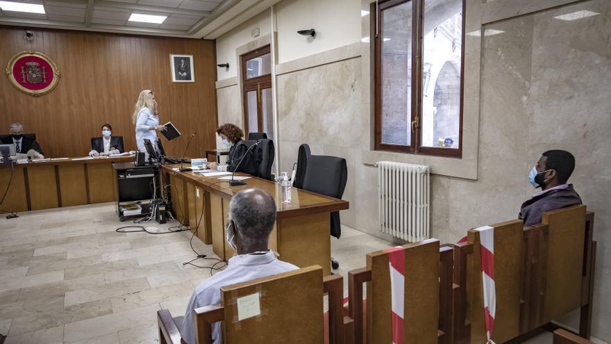 Dos condenados por intentar matarse el uno al otro a martillazos y cuchilladas