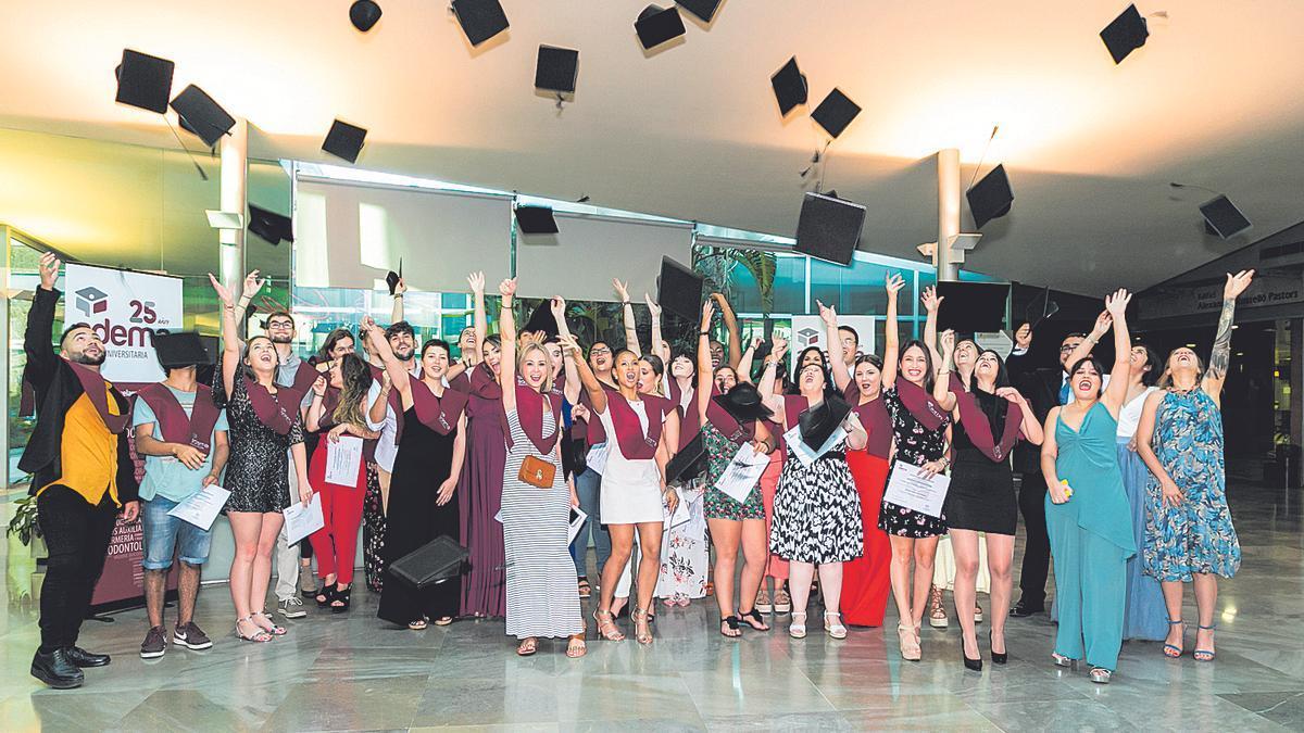 El acto de graduación de los alumnos de la Escuela Universitaria ADEMA.  aDEMA