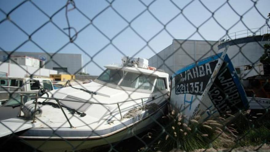 Logiscrap desguaza 36 cayucos, 'narcobuques' y barcas abandonadas en el Puerto de Las Palmas