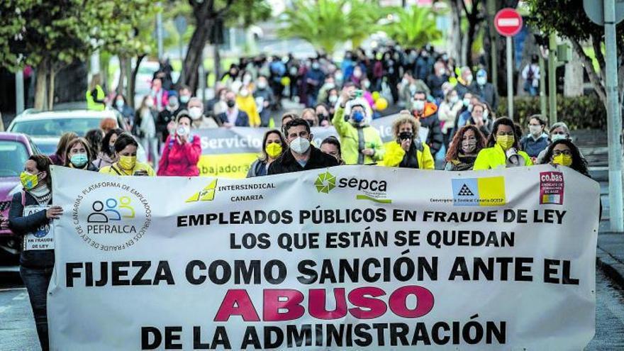 Gobierno e interinos firman el pacto que busca la estabilidad de los empleos