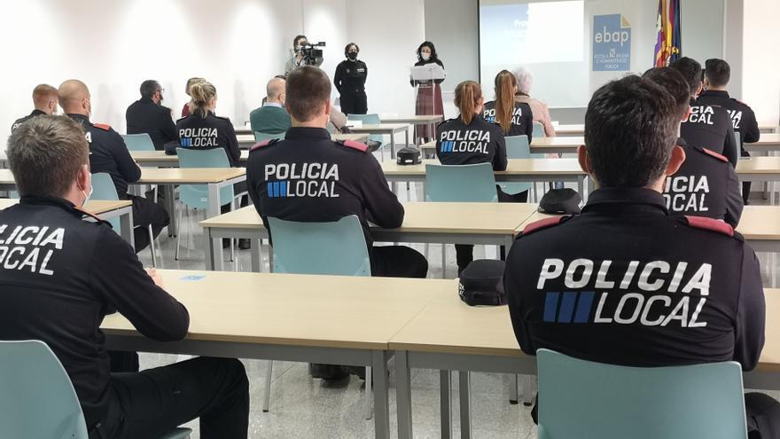 El Govern crea un bolsín de agentes de Policía Local interinos