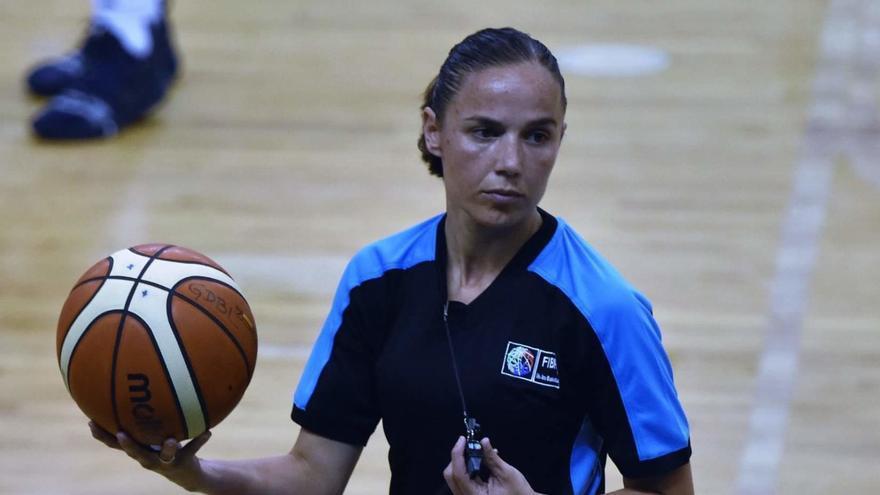 La cacereña Esperanza Mendoza arbitrará en el Eurobasket femenino