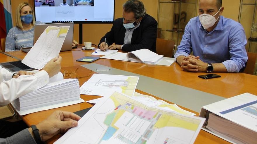 Fuengirola presenta a la Junta el proyecto para duplicar, hasta un millar, el número de atraques