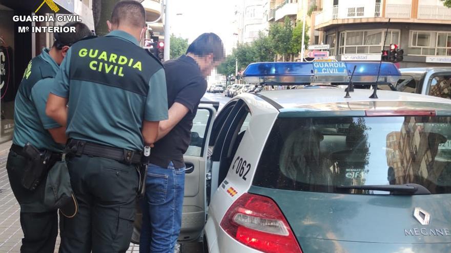 """La Guardia Civil detiene en Elche al """"pequeño Nicolás de Crevillent"""""""