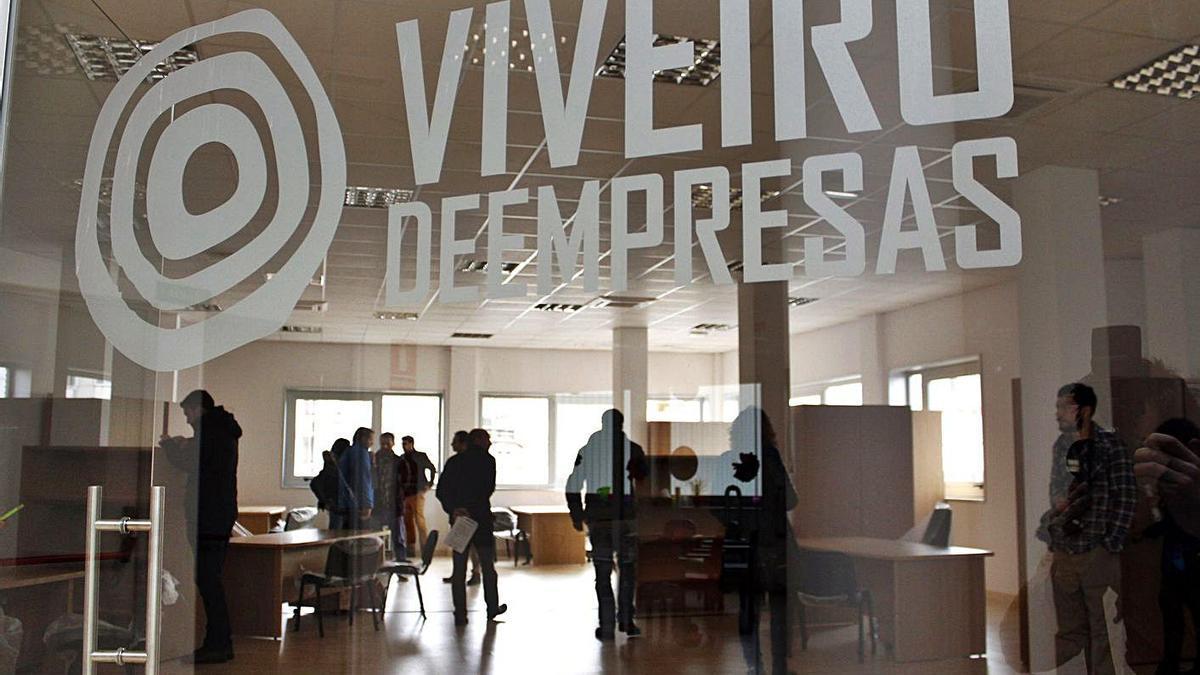 El Viveiro de Empresas dispone de diez espacios de coworking, actualmente cuatro libres. |  // BERNABÉ/J.LALÍN