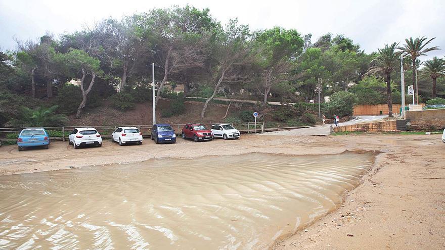 Aparcamientos cerrados por la lluvia en Ibiza