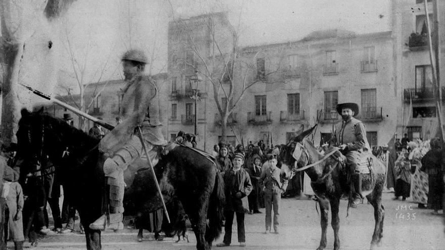 Figueres entra a la història de la fotografia amb el primer retrat d'un Quixot el 1889