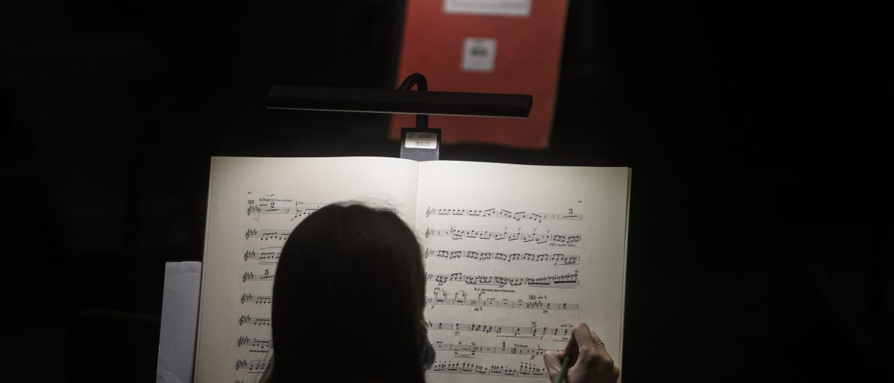 Las bambalinas de la ópera Falstaff en Les Arts