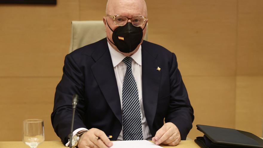Villarejo asegura que se vio con Rajoy además de intercambiarse mensajes con él