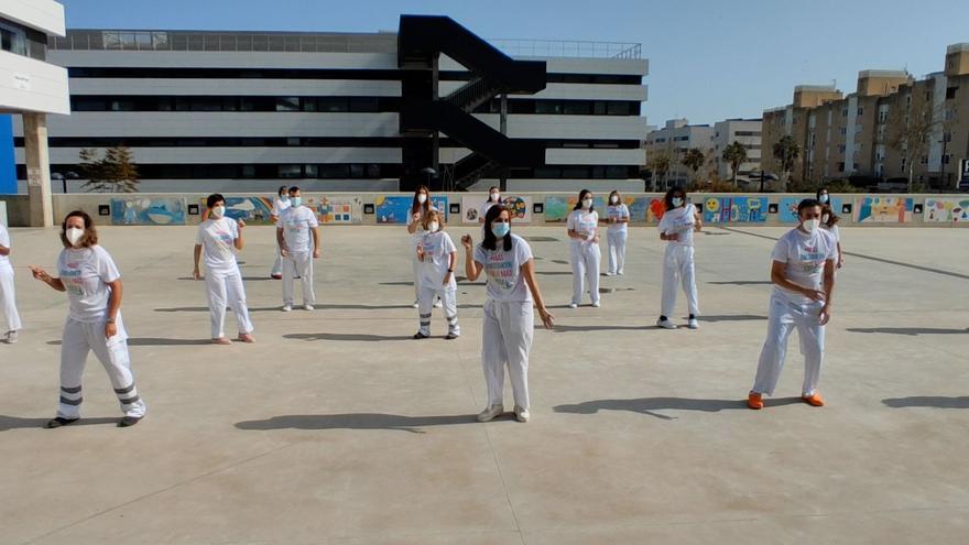 El hospital de Ibiza baila la coreografía de 'El Hormiguero' para dar visibilidad al cáncer de mama metastásico