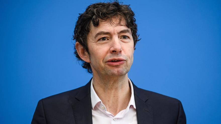 Virólogo alemán advierte que la pandemia acaba de empezar