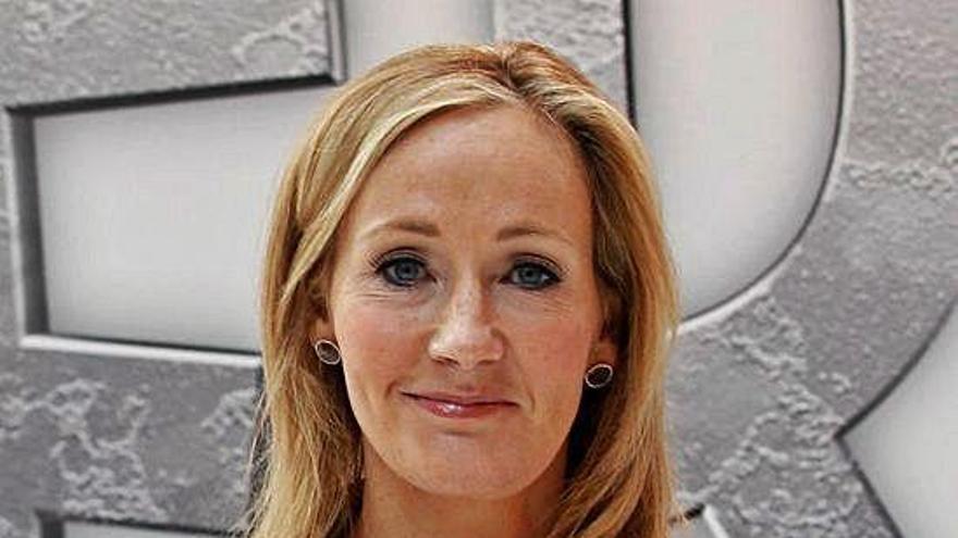 J. K. Rowling irrita de nuevo al colectivo transexual