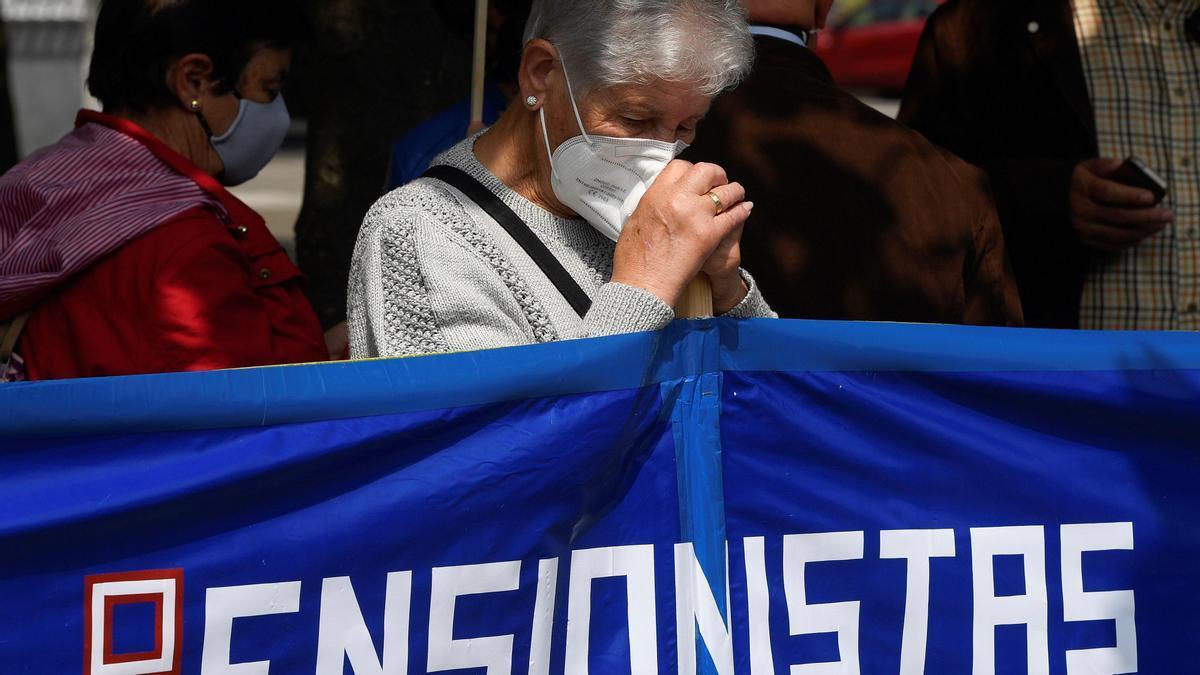 Pensioners demonstrate in various cities in Spain.