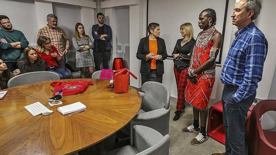 Elche exportará formación en nuevas tecnologías y turismo a los masais de Kenia