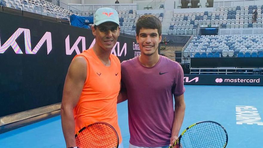 Carlos Alcaraz entrena con Rafa Nadal
