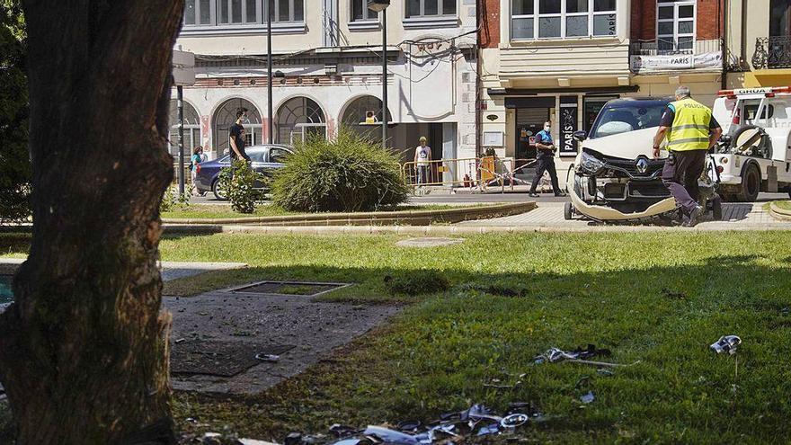 Herida una mujer de 30 años tras empotrar su coche contra un árbol