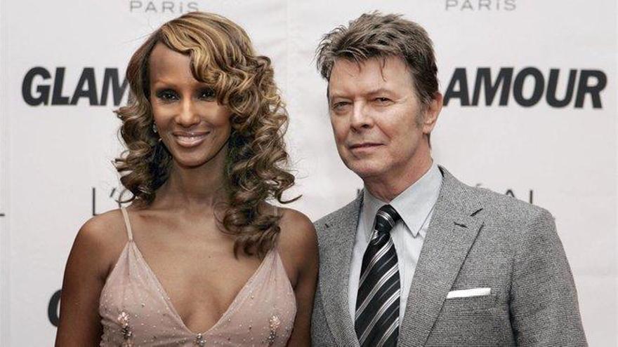 La hija de David Bowie confiesa que lleva medio año sin ver a su madre